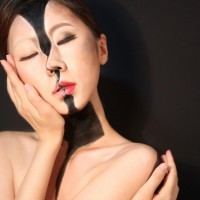 A Makeup Magician Masters the Surrealist Selfie