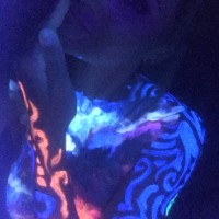 carry the ocean uv body painting